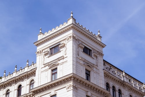 Har du gamle vinduer i din lejlighed? Forsegl dem effektivt med vores pistol